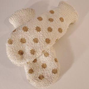 Cute polka dot mittens